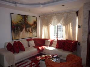 Casa En Venta En Maracay - Los Chaguaramos Código FLEX: 19-17365 No.7