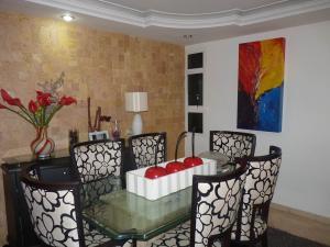 Casa En Venta En Maracay - Los Chaguaramos Código FLEX: 19-17365 No.8
