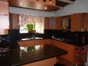 Casa En Venta En Maracay - Los Chaguaramos Código FLEX: 19-17365 No.14