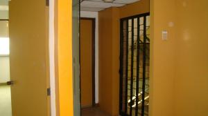 Local Comercial En Alquiler En Caracas En La Yaguara - Código: 19-17743