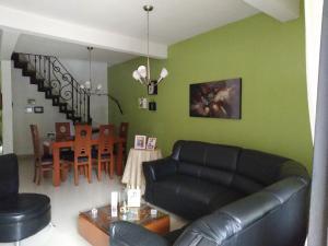 Casa En Venta En Maracay - El Limon Código FLEX: 19-17852 No.2