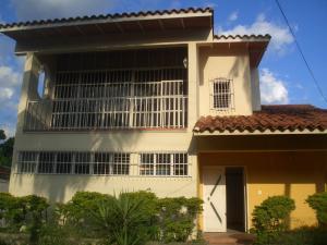 Casa En Venta En Maracay - La Floresta Código FLEX: 19-17864 No.0
