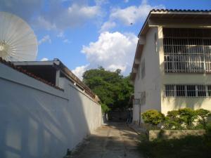 Casa En Venta En Maracay - La Floresta Código FLEX: 19-17864 No.2