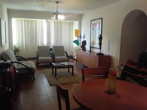 Apartamento En Venta En Maracay - El Centro Código FLEX: 19-17898 No.2