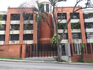 Apartamento En Venta En Caracas En Los Palos Grandes - Código: 19-10922