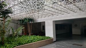 Apartamento En Venta En Parroquia Caraballeda - Palmar Este Código FLEX: 19-18364 No.1