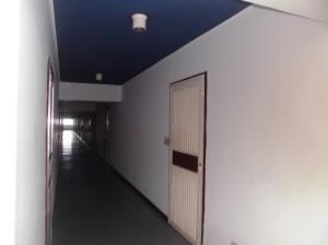 Apartamento En Venta En Parroquia Caraballeda - Palmar Este Código FLEX: 19-18364 No.10