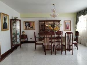 Apartamento En Venta En Caracas - La Boyera Código FLEX: 18-16077 No.12