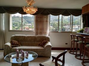 Apartamento En Venta En Caracas - La Boyera Código FLEX: 18-16077 No.11
