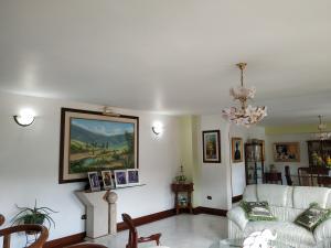 Apartamento En Venta En Caracas - La Boyera Código FLEX: 18-16077 No.16