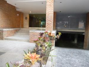 Apartamento En Alquiler En Caracas - Los Naranjos de Las Mercedes Código FLEX: 20-694 No.1