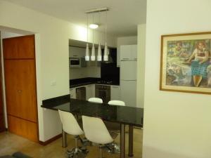 Apartamento En Alquiler En Caracas - Los Naranjos de Las Mercedes Código FLEX: 20-694 No.7