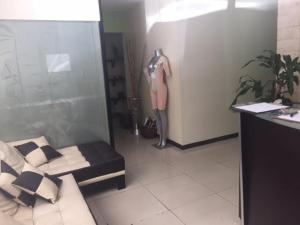 Negocio o Empresa En Venta En Caracas - Las Mercedes Código FLEX: 19-20378 No.2