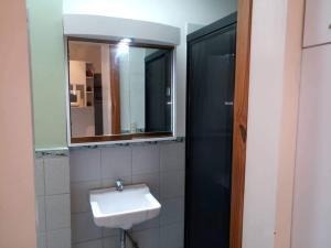 En Alquiler En Caracas - Altamira Código FLEX: 19-20472 No.8