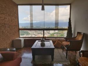 En Venta En Caracas - Baruta Código FLEX: 19-13517 No.2