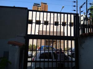 Apartamento En Venta En Caracas - Bello Monte Código FLEX: 20-235 No.2