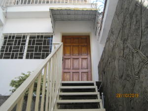 En Alquiler En Caracas - El Marques Código FLEX: 20-265 No.0