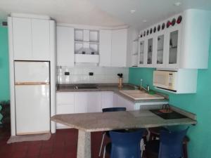 Apartamento En Venta En Parroquia Caraballeda - Caribe Código FLEX: 20-789 No.8