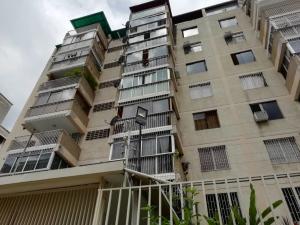 Apartamento En Venta En Caracas - Los Palos Grandes Código FLEX: 20-940 No.0
