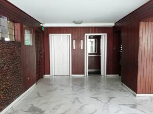 Apartamento En Venta En Caracas - Los Palos Grandes Código FLEX: 20-940 No.2
