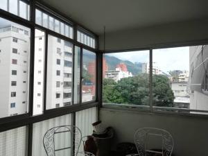 Apartamento En Venta En Caracas - Los Palos Grandes Código FLEX: 20-940 No.7