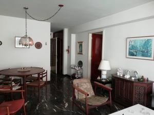 Apartamento En Venta En Caracas - Los Palos Grandes Código FLEX: 20-940 No.16