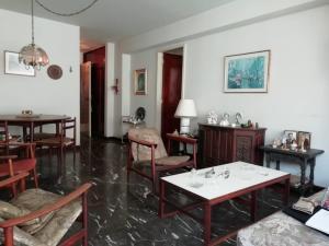 Apartamento En Venta En Caracas - Los Palos Grandes Código FLEX: 20-940 No.3