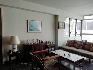 Apartamento En Venta En Caracas - Los Palos Grandes Código FLEX: 20-940 No.13
