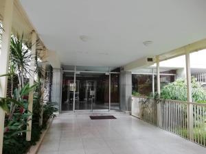 Apartamento En Venta En Caracas - Los Palos Grandes Código FLEX: 20-940 No.1