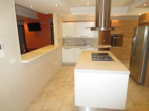 Apartamento En Venta En Valencia - La Trigaleña Código FLEX: 20-2678 No.3
