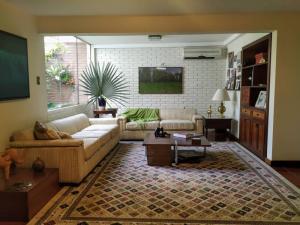 Casa En Venta En Valencia - La Vina Código FLEX: 20-1492 No.1