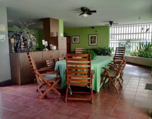 Casa En Venta En Valencia - La Vina Código FLEX: 20-1492 No.2