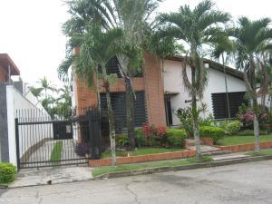 Casa En Venta En Valencia - Altos de Guataparo Código FLEX: 20-2376 No.0