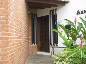 Casa En Venta En Valencia - Altos de Guataparo Código FLEX: 20-2376 No.2