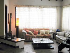 Casa En Venta En Valencia - Altos de Guataparo Código FLEX: 20-2376 No.3