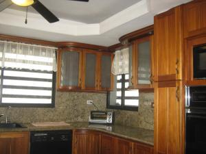 Casa En Venta En Valencia - Altos de Guataparo Código FLEX: 20-2376 No.8