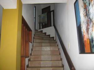 Casa En Venta En Valencia - Altos de Guataparo Código FLEX: 20-2376 No.9