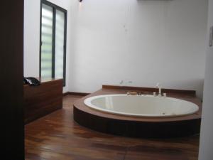 Casa En Venta En Valencia - Altos de Guataparo Código FLEX: 20-2376 No.15