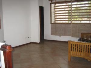 Casa En Venta En Valencia - Altos de Guataparo Código FLEX: 20-2376 No.16