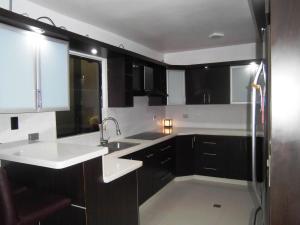 Casa En Venta En Municipio Naguanagua - El Guayabal Código FLEX: 20-2806 No.13