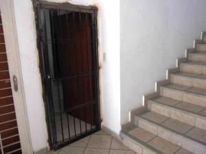 Apartamento En Venta En Municipio Los Guayos - Paraparal Código FLEX: 20-2776 No.2