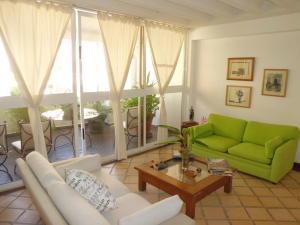 Apartamento En Venta En Valencia - Campo Alegre Código FLEX: 20-2783 No.4