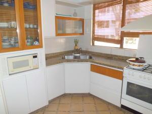 Apartamento En Venta En Valencia - Campo Alegre Código FLEX: 20-2783 No.6