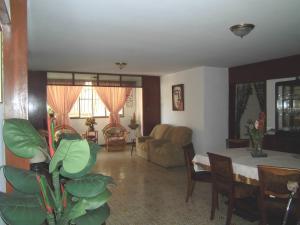 Apartamento En Venta En Valencia - La Ceiba Código FLEX: 20-2800 No.2
