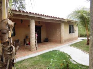 Casa En Venta En Valencia - Colinas de Guataparo Código FLEX: 20-2816 No.0