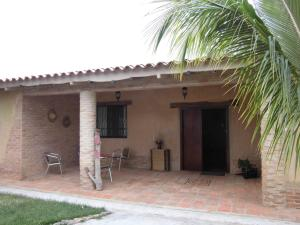 Casa En Venta En Valencia - Colinas de Guataparo Código FLEX: 20-2816 No.2