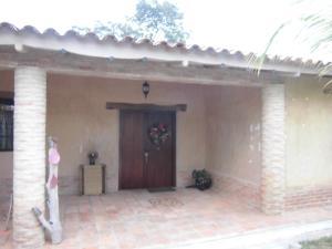 Casa En Venta En Valencia - Colinas de Guataparo Código FLEX: 20-2816 No.3