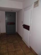 Apartamento En Alquiler En Parroquia Caraballeda - Caribe Código FLEX: 20-3079 No.2