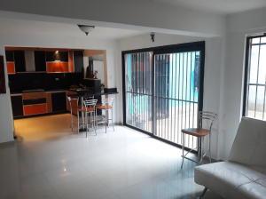 Casa En Venta En Valencia - El Parral Código FLEX: 20-4421 No.3