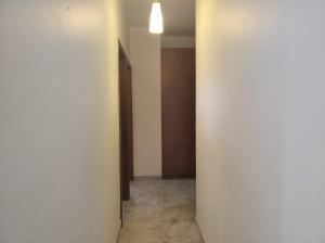 Apartamento En Venta En Valencia - Los Mangos Código FLEX: 20-4810 No.13